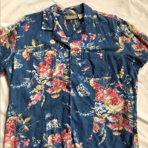 Women's Liz Claiborne blouse size 16